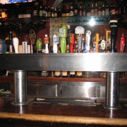 barrow street ale house double pedestal 5